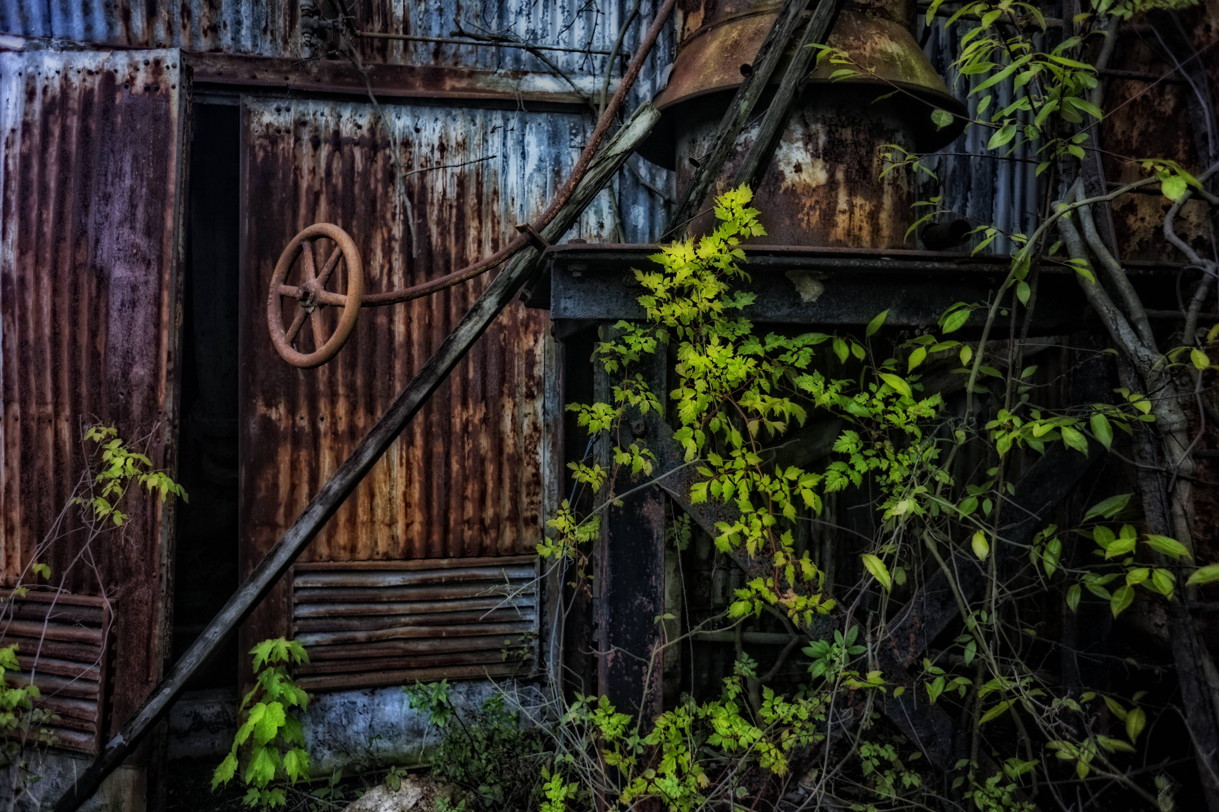 This rusty pump house is all that is left of a once thriving shipping and bulk distribution business.