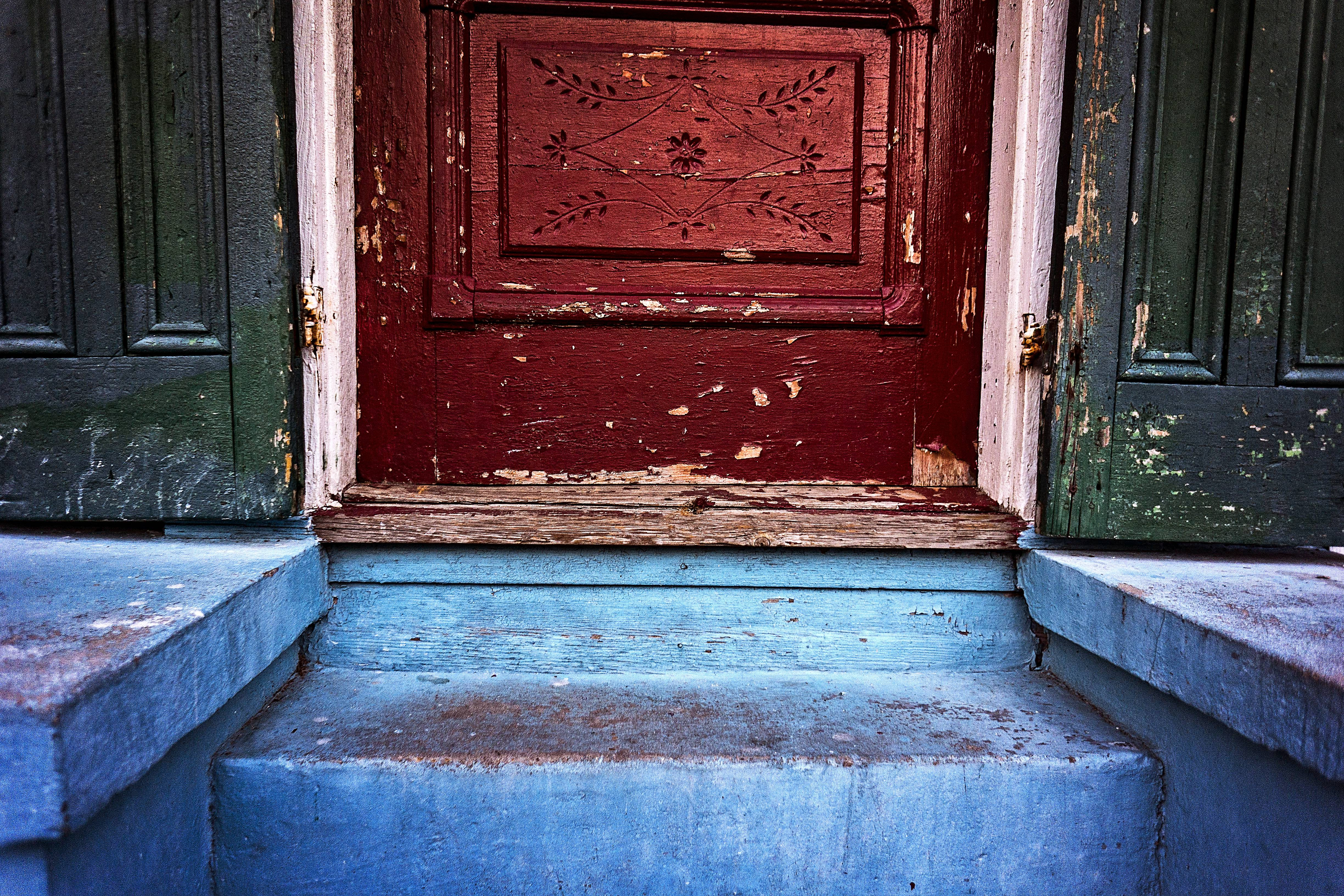 A Bywater stoop. Color is everything.