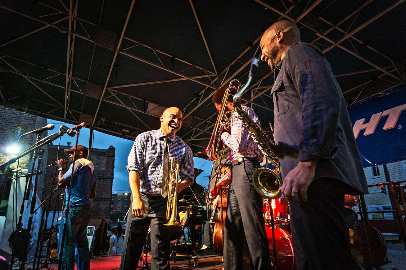 Irvin Mayfield and band having a little fun.