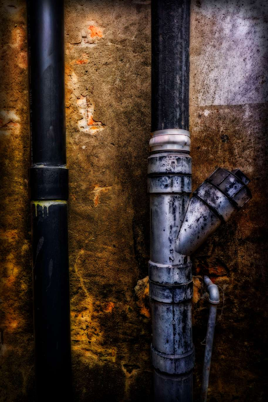 Pipe details.