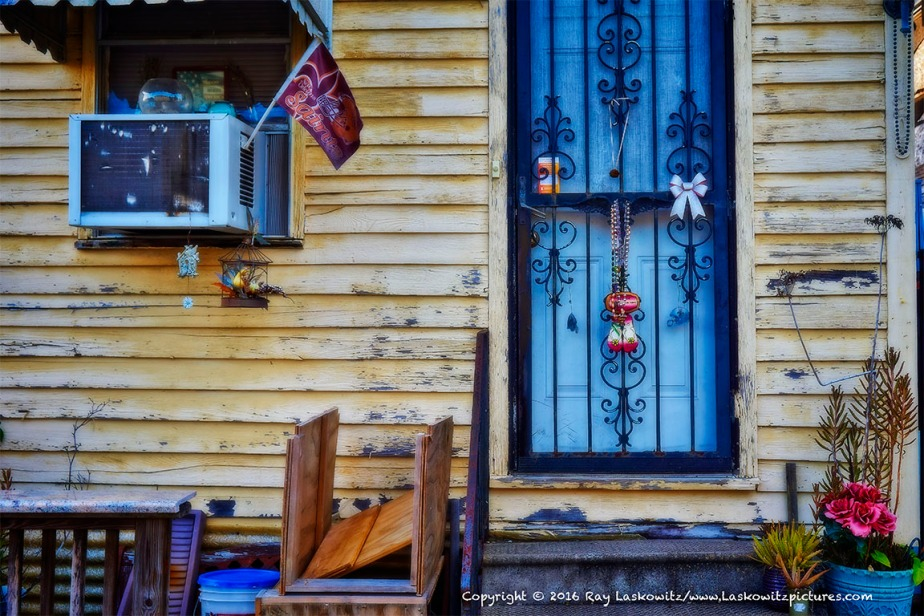 Classic neighborhood stoop, Mid City, New Orleans