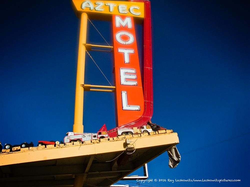 Aztec Motel